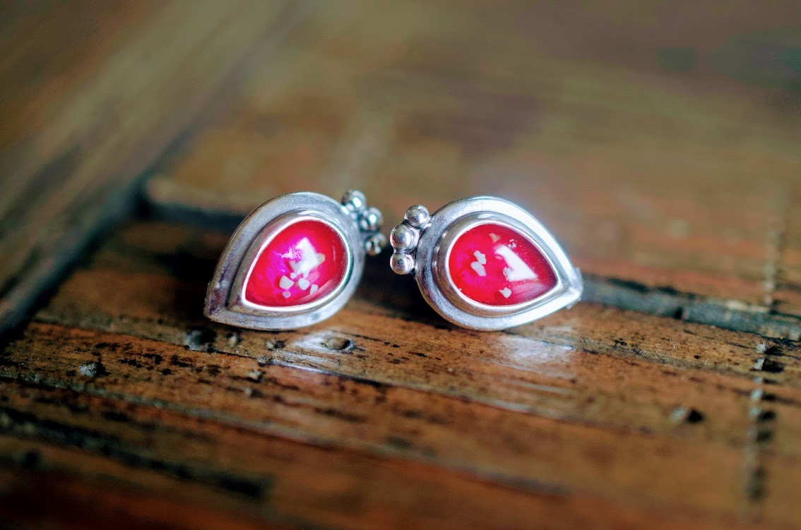 Fusion pear cremation stud earrings sterling silver annnicoleco dsc0219 solutioingenieria Choice Image
